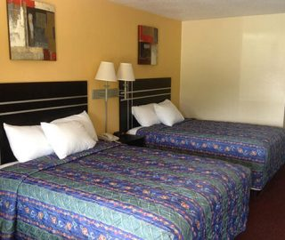 2 Queen Double Beds